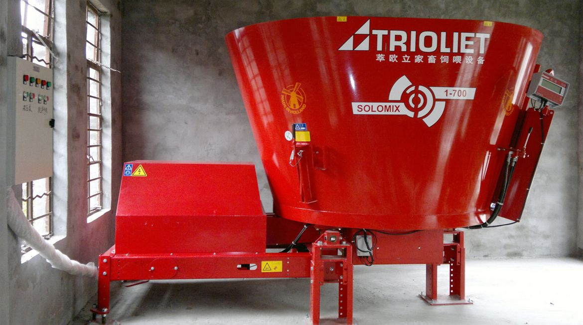 Solomix stationary silage feed mixer stationary mixer, stationary tmr mixer, vertical tmr mixer feeder, stationary, tmr mixer, diet feeder, mixer wagon, feed mixer